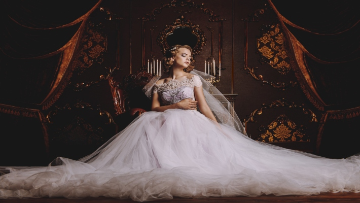7 Tips For Choosing Luxurious Wedding Dresses Love Happens Magazine,Wedding Guest Fashionable Modern Indian Wedding Dresses For Girls