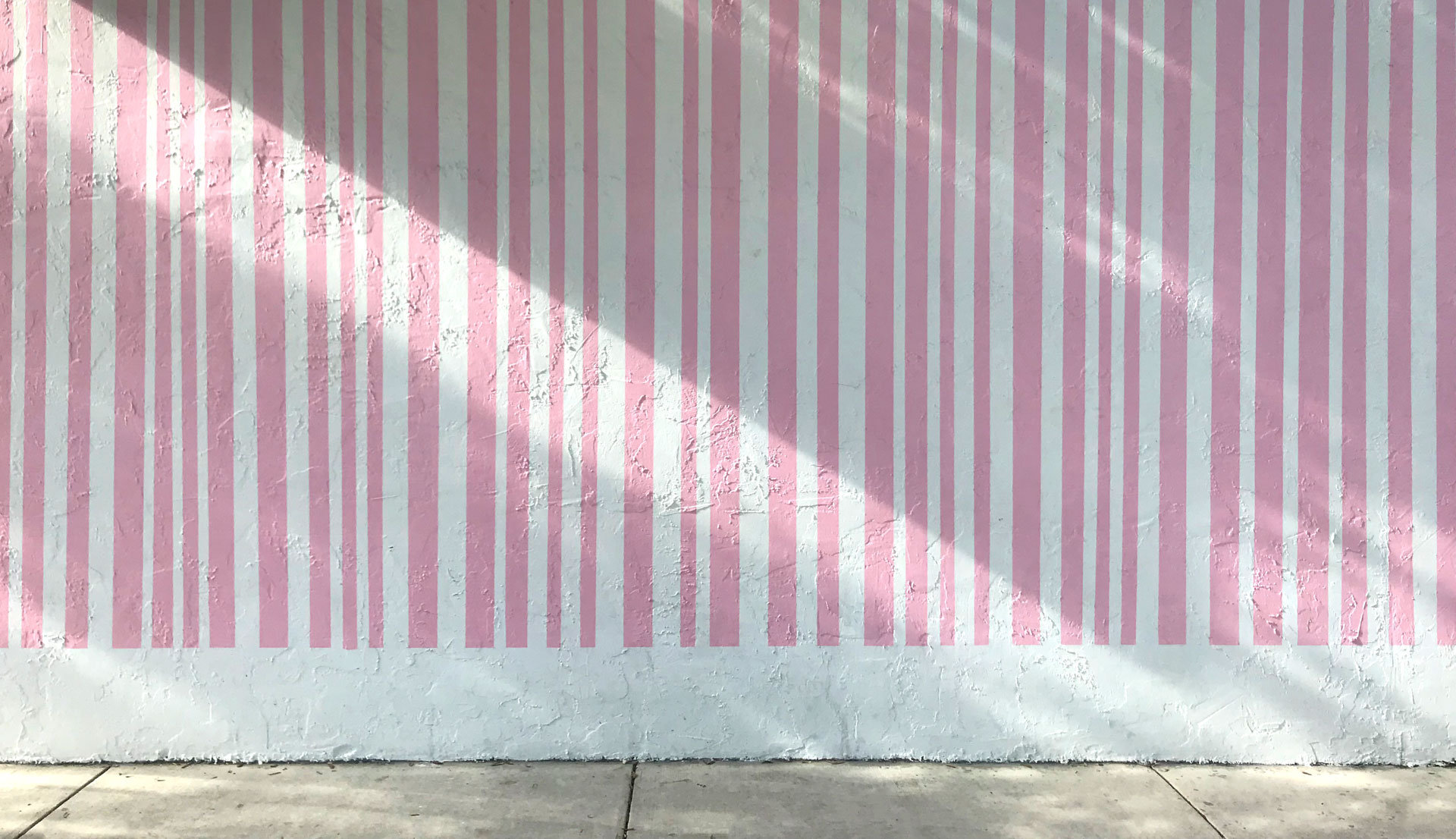 Instagram Pic Spots Miami Design District - The Pink Striped Wall