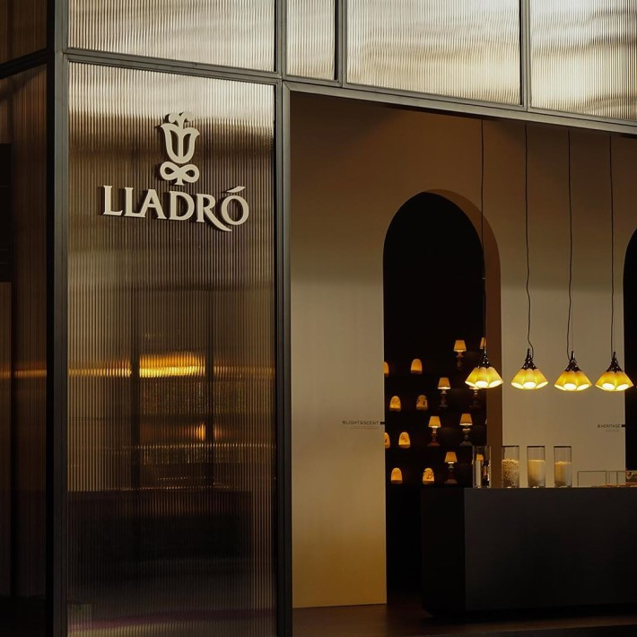 luxury porcelain tabletop decor and lighting brand lladro's stand at maison et objet