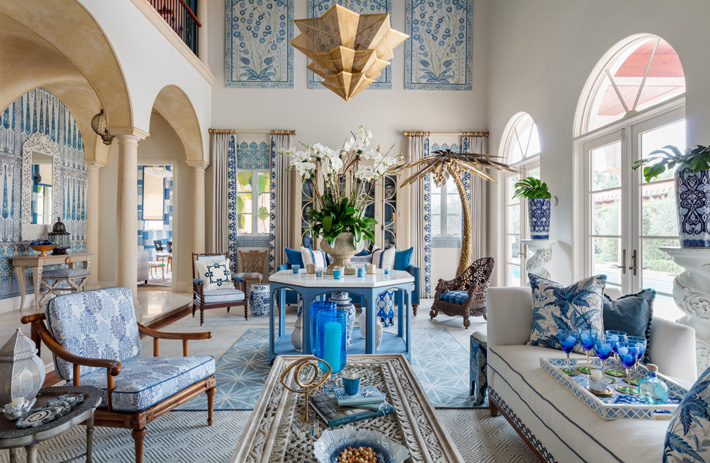 grand living room design in blue and white by Cindy Rinfret at Kips Bay showhouse palm beach 2019 Photo Credit Nickolas Sargent