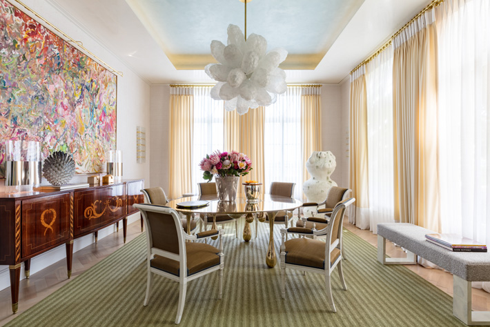dining room design by David Scott at Kips Bay showhouse palm beach 2019 - Photo Credit Nickolas Sargent