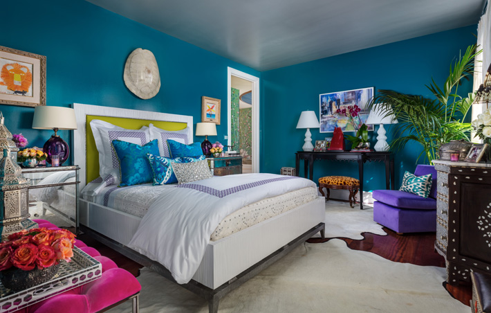 exotic bedroom design by Jennifer Garrigues at Kips Bay showhouse palm beach 2019 - Photo Credit Nickolas Sargent