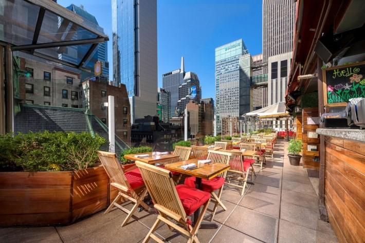Best rooftop bars nyc - Heaven Rooftop