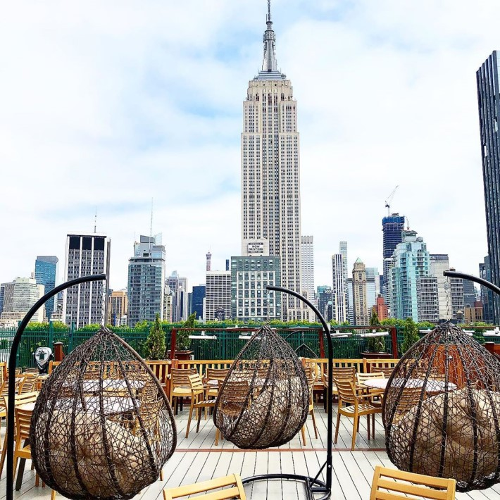 Best rooftop bars in NYC - 230 Fifth Flatiron rooftop bar