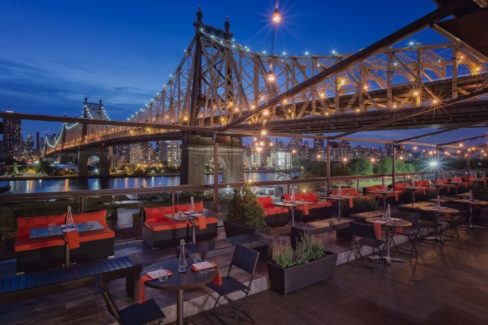 Best rooftop and bars nyc -  Penthouse 808 rooftop bar at ravel hotel
