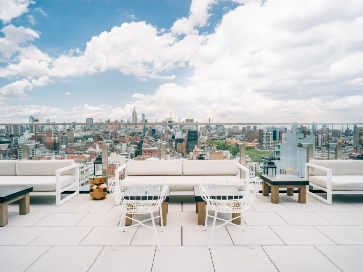 Best rooftop bars nyc - The Crown at hotel 50 bowery