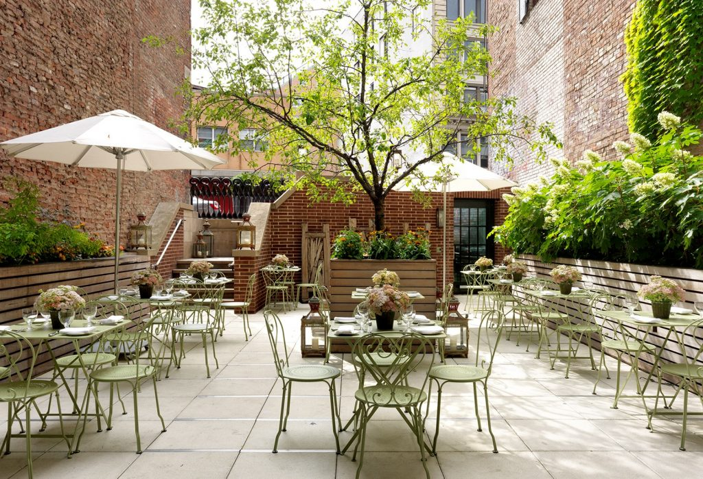 Best rooftop bars in nyc - crosby Bar and terrace