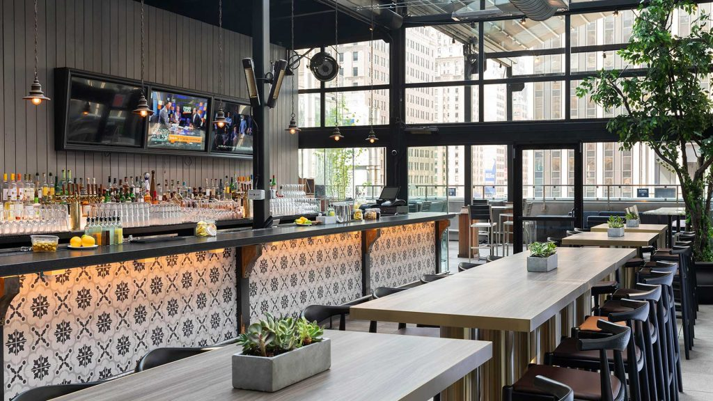 versa nyc - best rooftop bars nyc