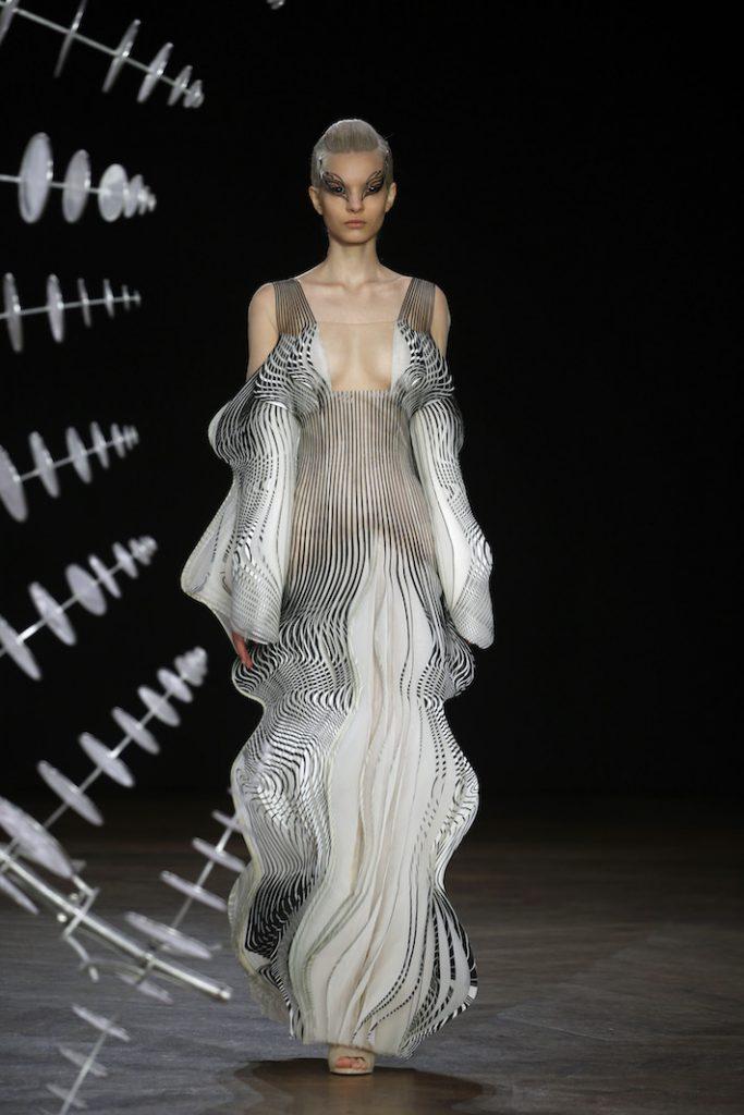 Iris Van Herpen Look 1 Paris Haute Couture
