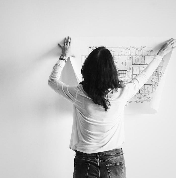 architect-back-black-and-white