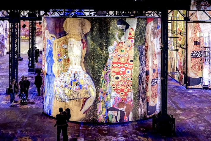 Room 4 in Gustav Klimts nights at atelier des lumineres