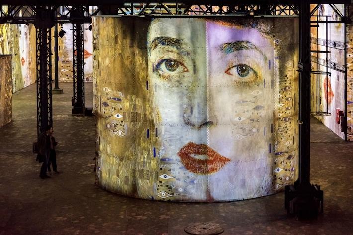 Room 5 in Gustav Klimts nights at atelier des lumineres