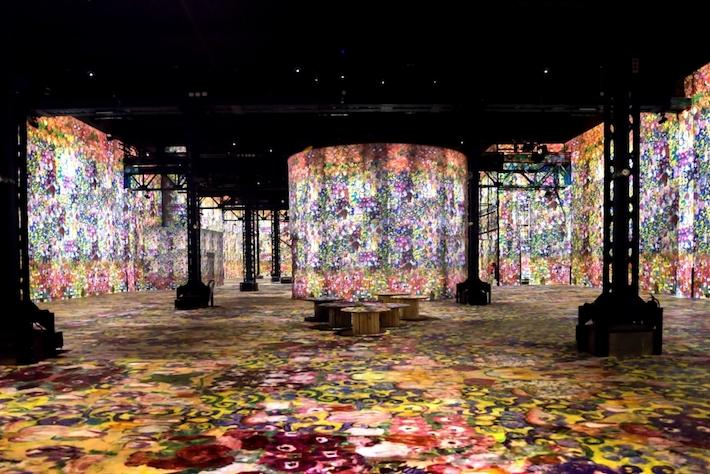 Room 6 in Gustav Klimts nights at atelier des lumineres