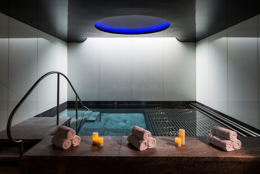 pool at the spa at four seasons london at park lane