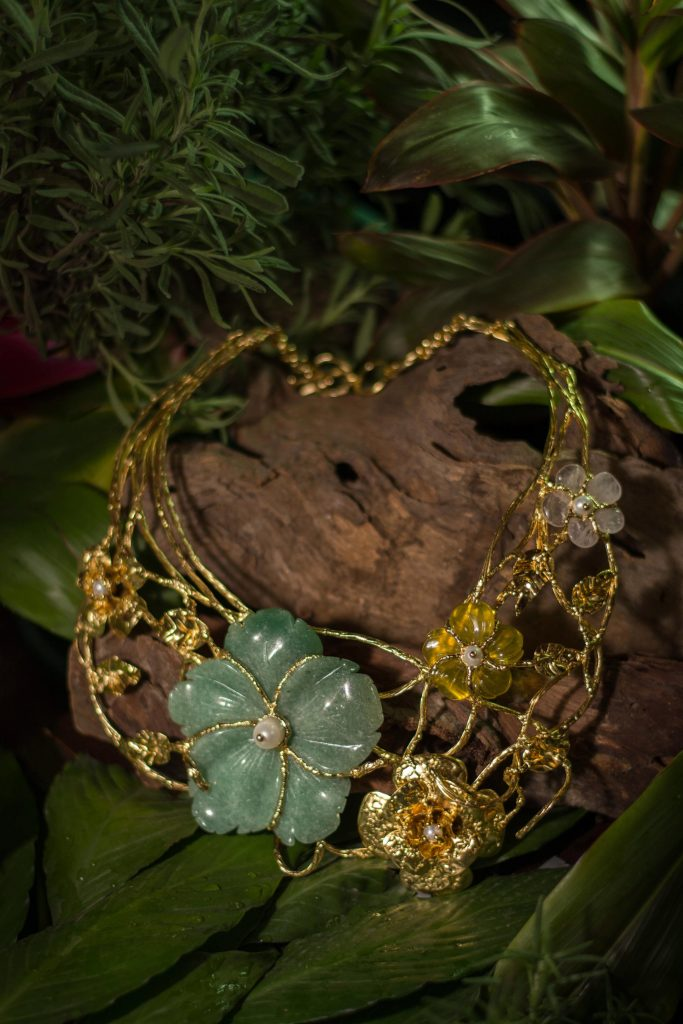 necklace design by ann ong photographed by sefi curada in nature - luxurious gift ideas for every occasion