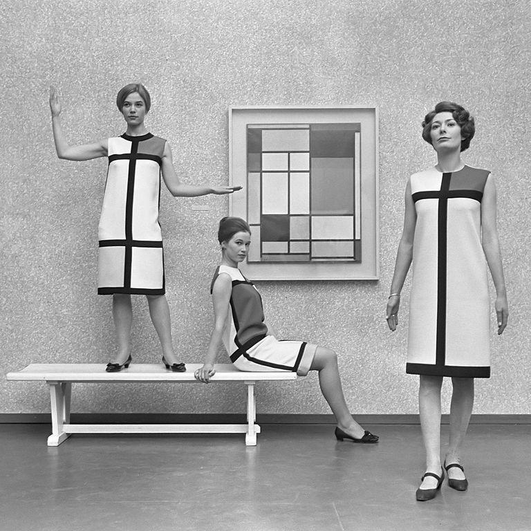 Mondrian dresses by Yves St. Laurent in Haagse Gemeente Museum, 1966