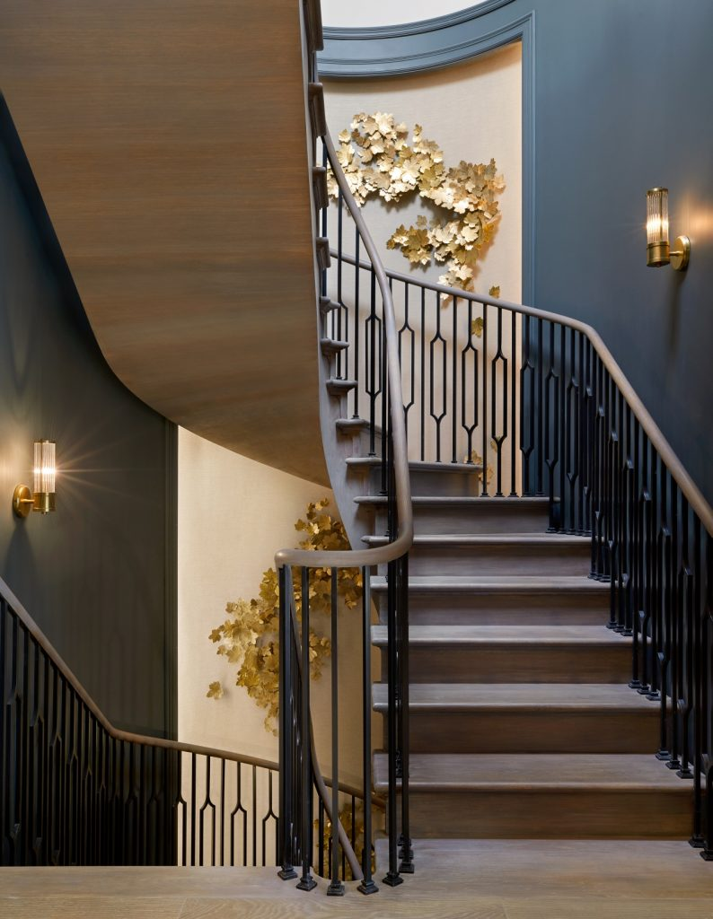 curved staircase trend