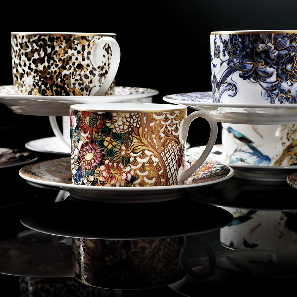 Golden Flowers Tableware from Roberto Cavalli