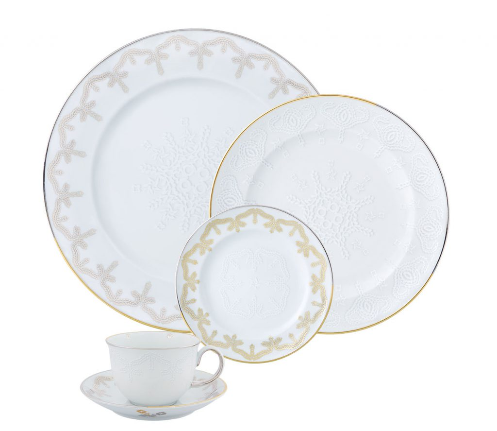 Vista Alegre Paseo dinnerware collection white and gold