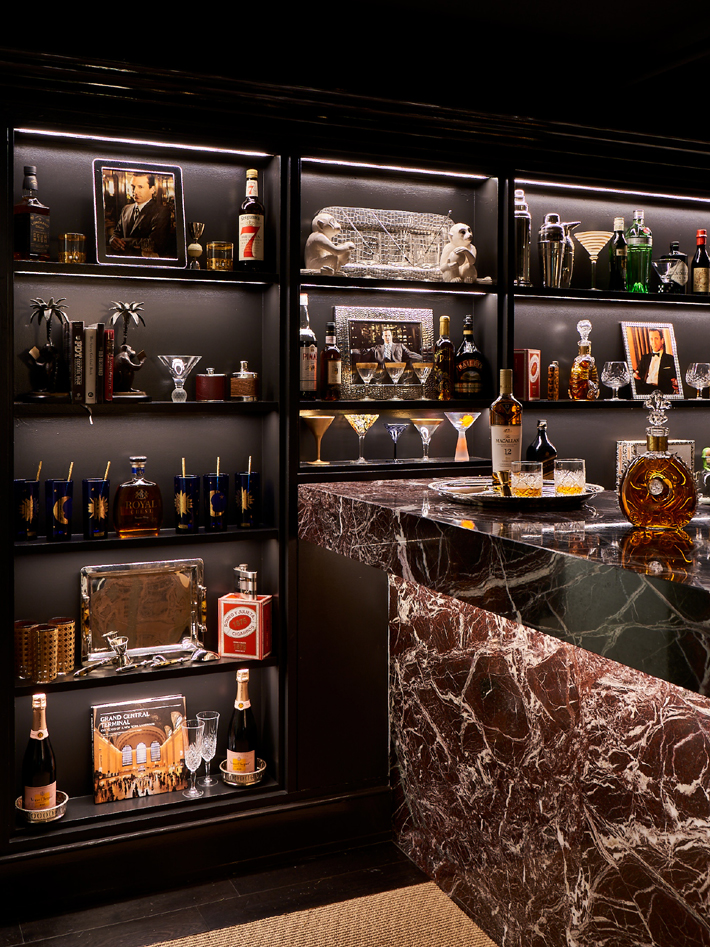 Bar Lounge by Lewis Design Group holiday house nyc 2019