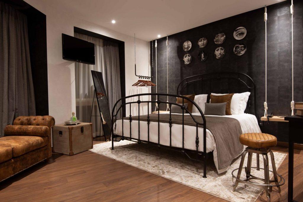 maxime hotel bondage room