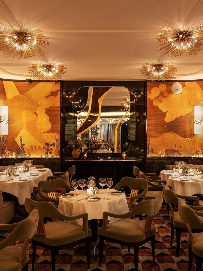 Beautiful restaurants - luxurious dining room at La Maison du Cavair Paris