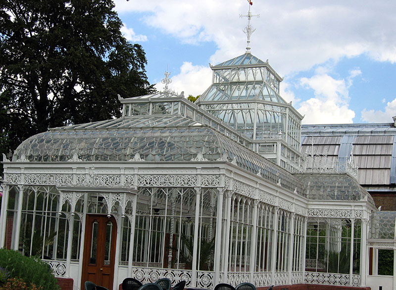 Victorian conservatory at the Horniman Museum (Photo by C Ford / Wikimedia)