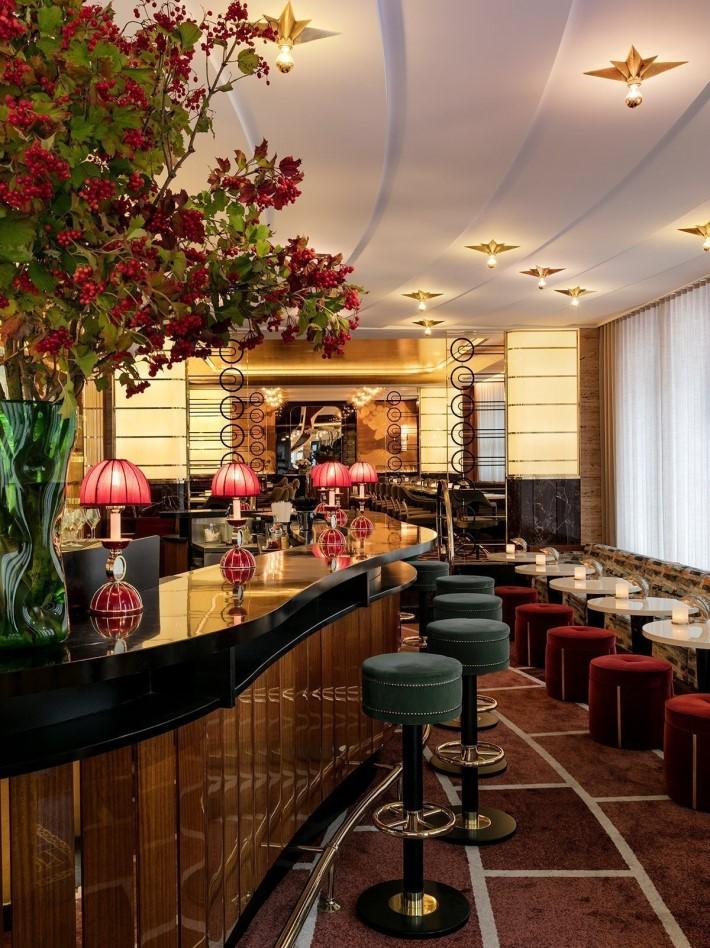 La Maison du Cavair luxurious bar area
