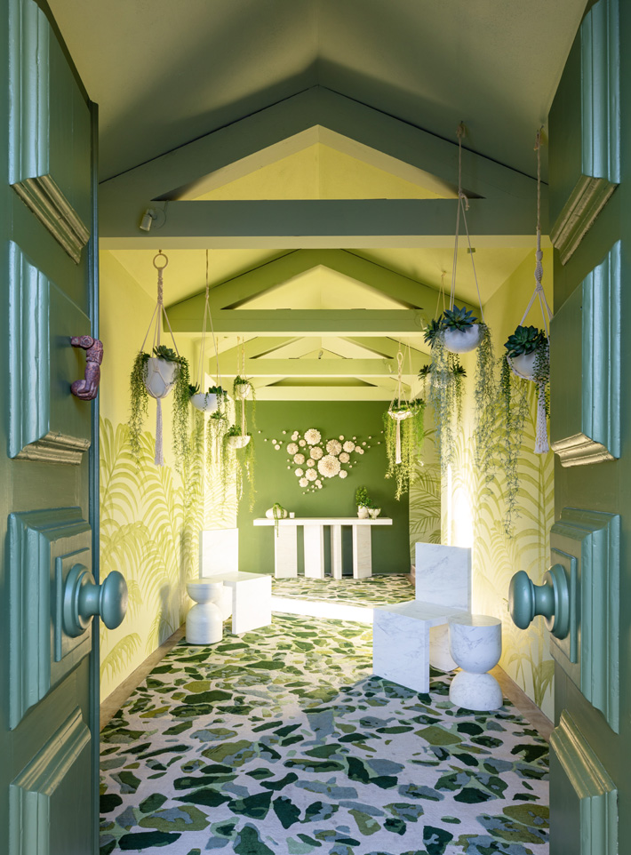 Entrance by Alizee Brion at kips bay decorator show house palm beach 2020