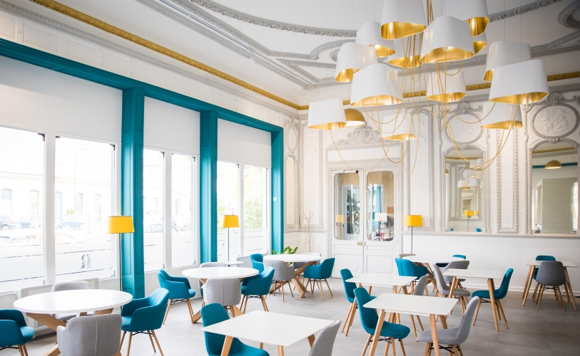 Lustre 15 chandelier by Designheure at Restaurant La Riche - unique luxury lighting brands to know