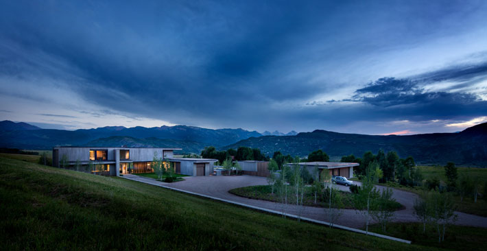 custom Home designed by Robbins Architecture, Colorado. Photo by Steve Freihon.
