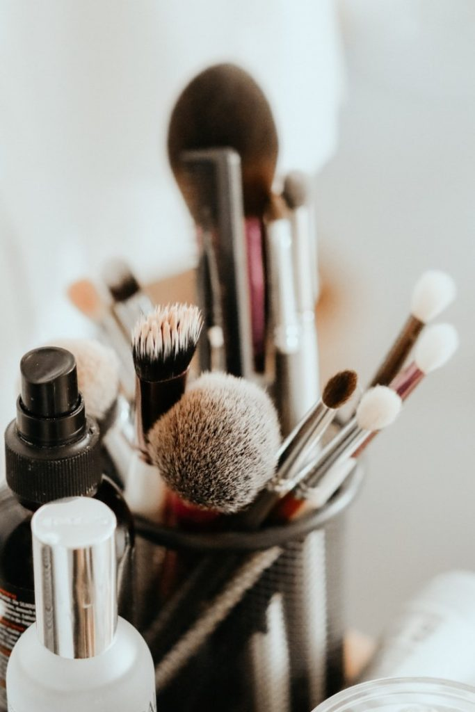 Improve your Beauty Routine at Home: Clean your makeup brushes