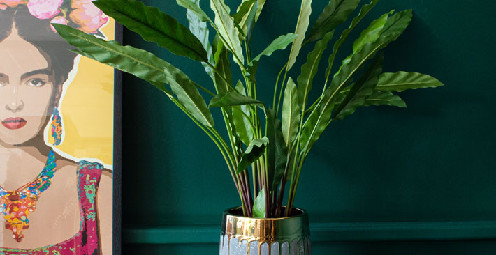 AUDENZA Dripping Gold Concrete Planter - Decorate with Plants