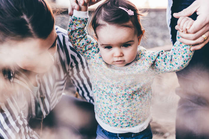 cute little girl with mom and dad - priscilla du preez unsplash - how to find inner peace during this pandemic