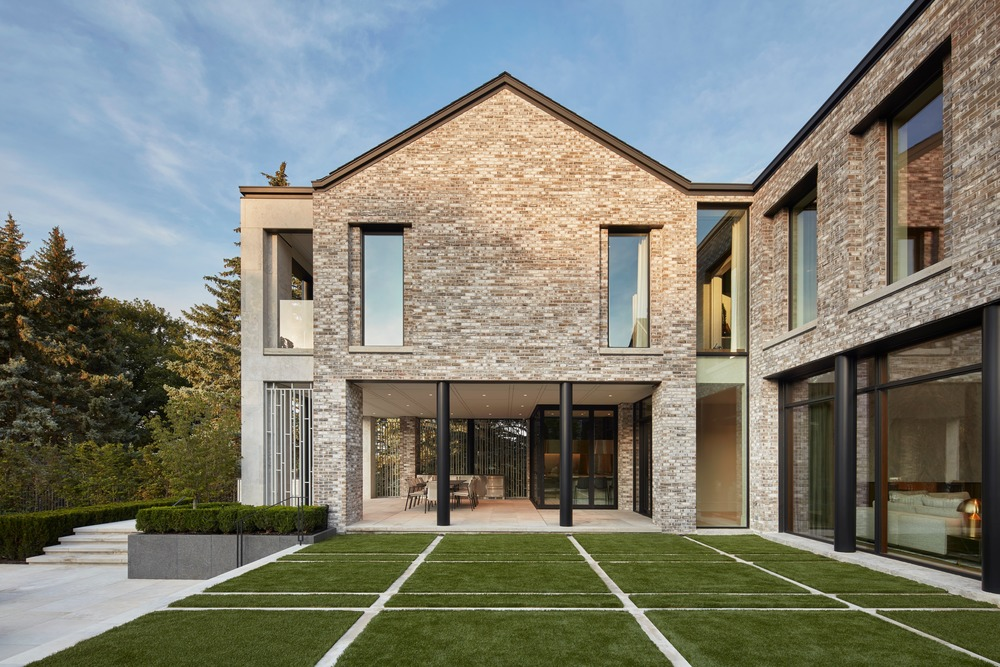 homes with indoor and outdoor unity