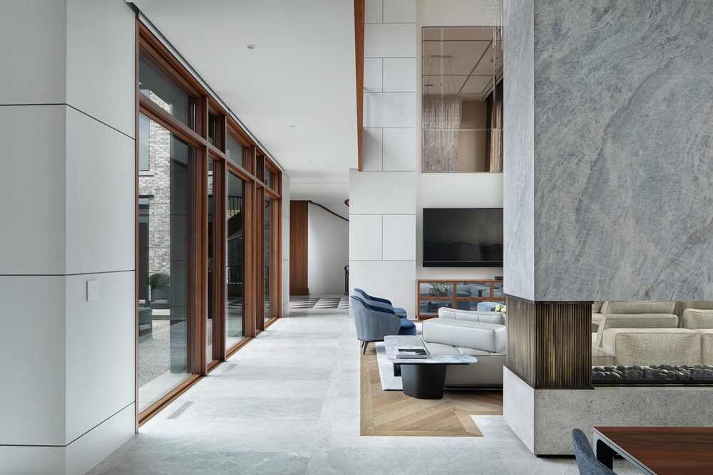 modern rustic decor Interior design by Audax (Photo by Erik Rotter, Shai Gil)