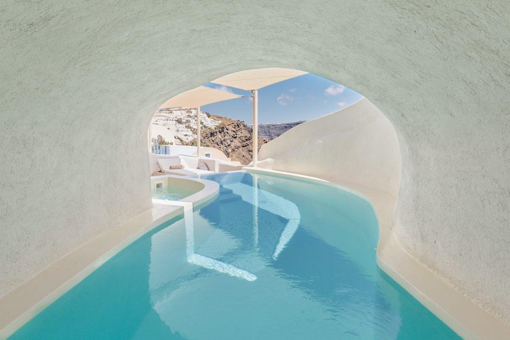 Dream Vacations: Mystique Hotel, Santorini