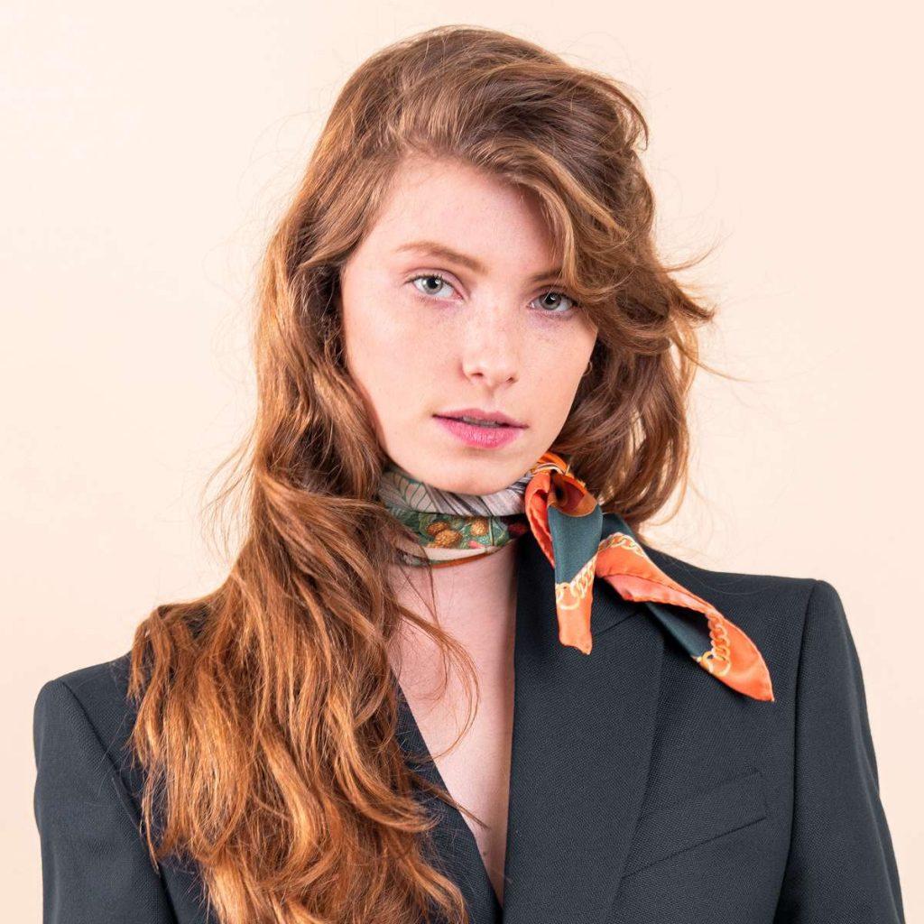 Silk scarf by Pochette Square - 60s fashion trends