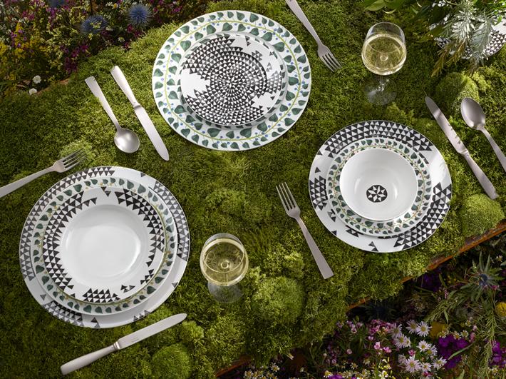 SACHA WALCKHOFF_MAGIC GARDEN_lifestyle-Philippe Garcia-summer tabletop dinnerware
