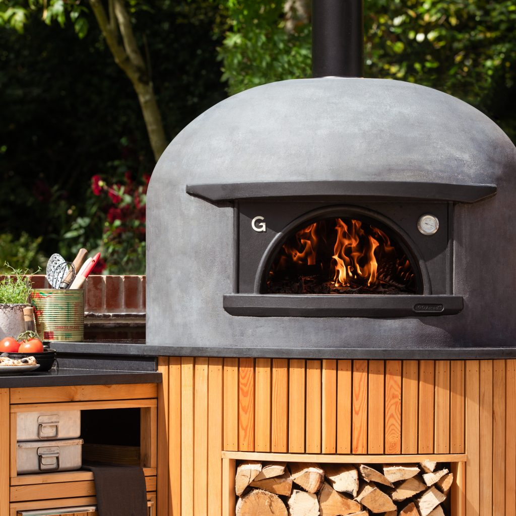 Gozney, Black Edition Free Standing Outdoor Oven pizza oven