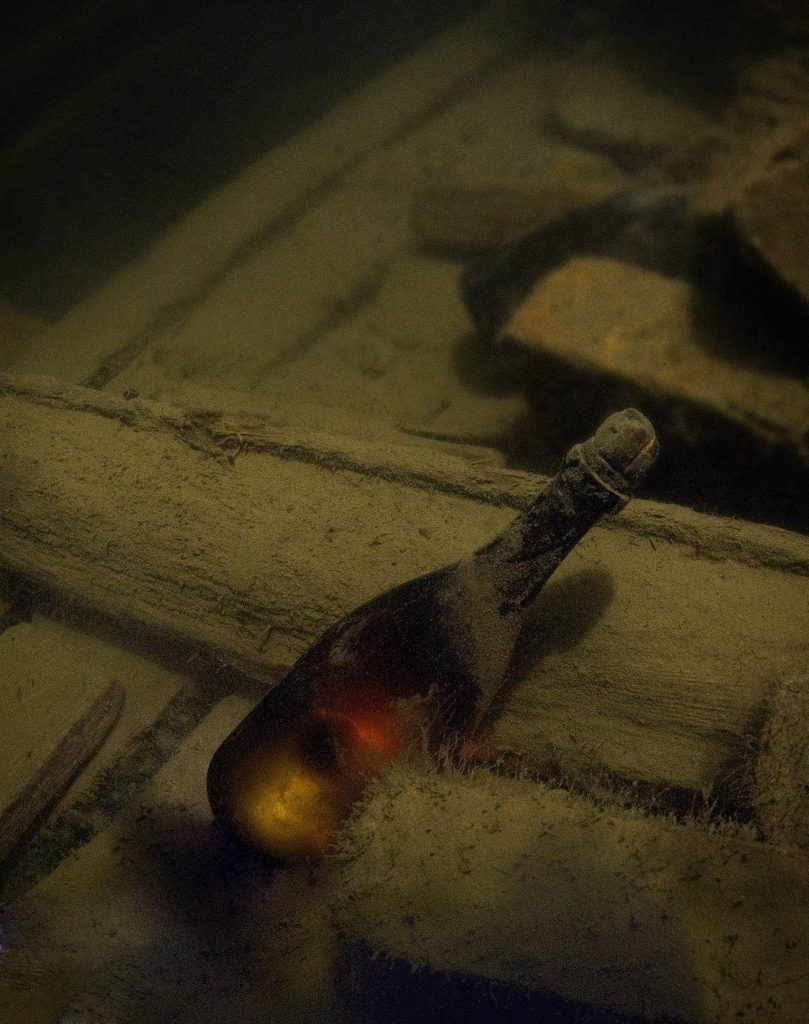 200-year-old bottles of champagne found unopened and in great condition in Baltic Sea Shipwreck - Juglar Cuvee Champagne