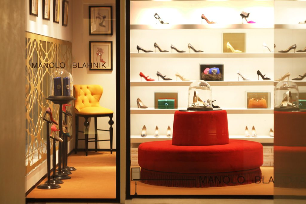 Manolo Blahnik Barcelona retail boutique designed by in out studio nayra iglesias