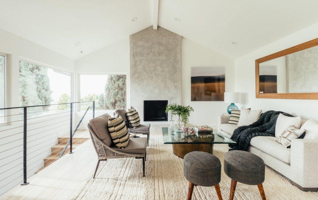 neutral sitting room west coast interior design trends