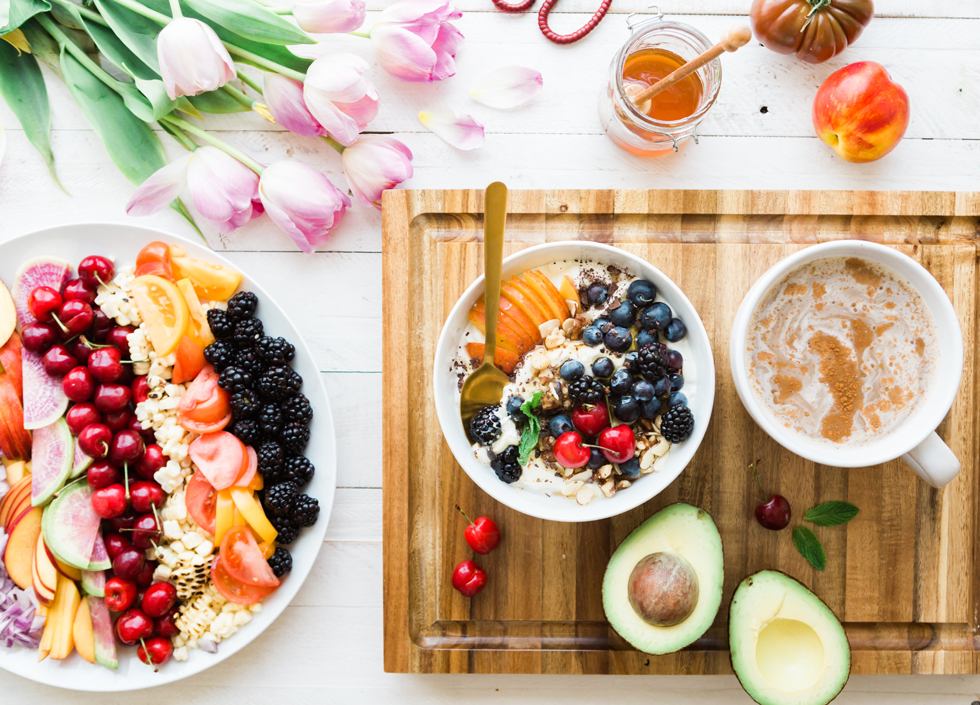 spread of healthy foods - end the struggle to lose weight - healthy eating - brooke lark unsplash