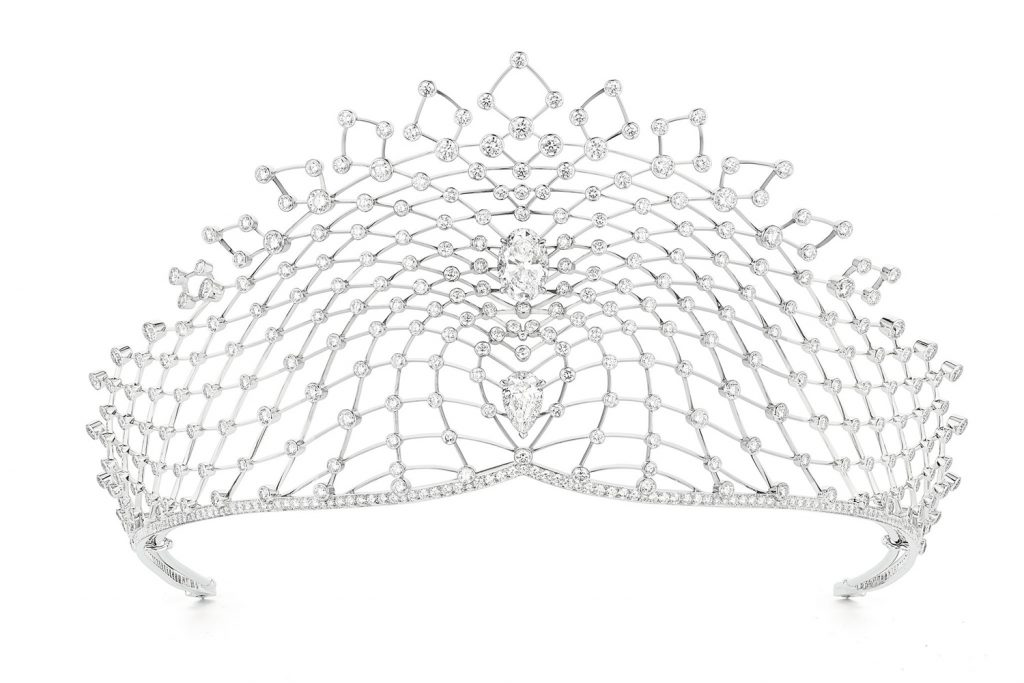 The stunning Lacis tiara makes use of Chamuet's signature fil couteau, or knife-edge setting, and latticework to create a dazzling optical illusion of floating diamonds.