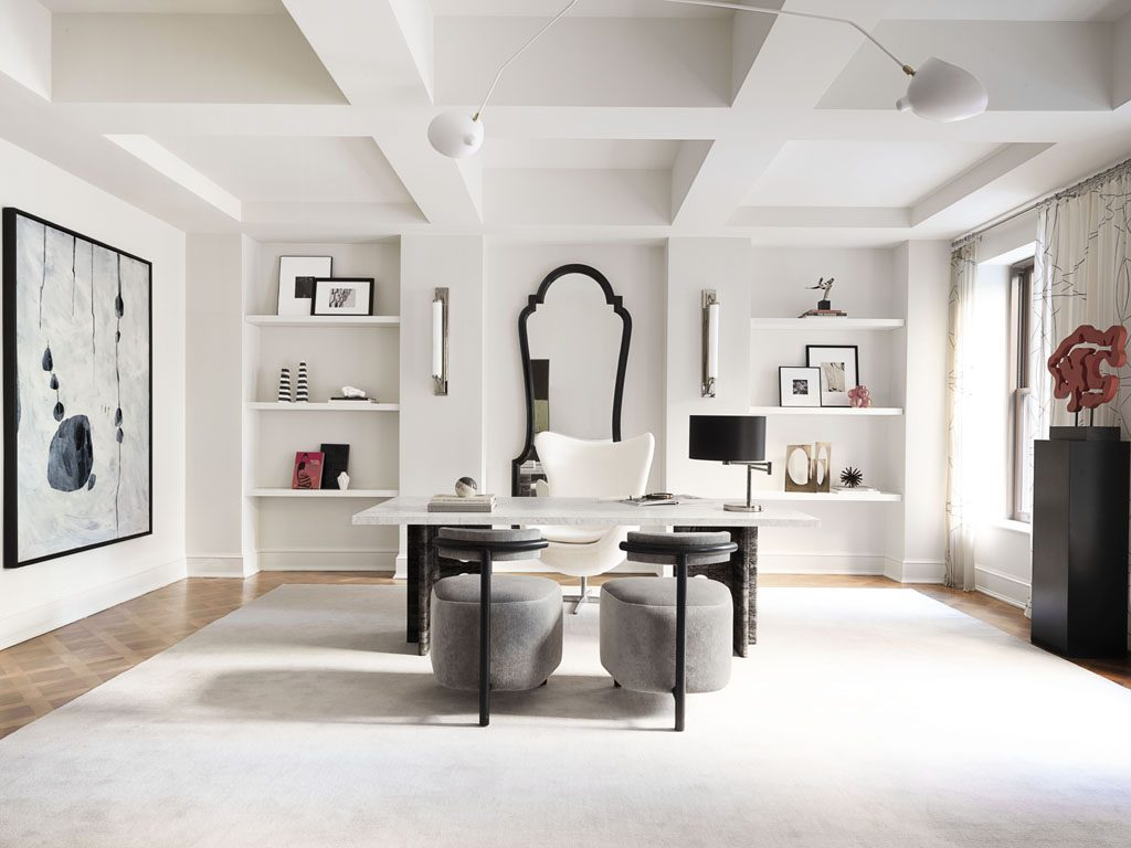 black and white Home office design by IMG