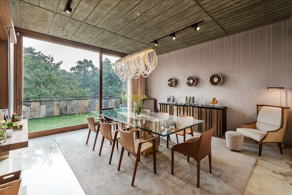 neutral dining room with heritage dining table by boca do lobo