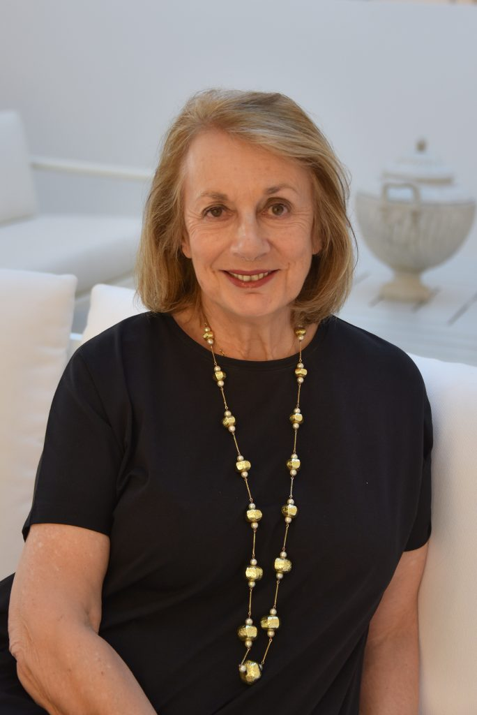 famous interior designers Nina Campbell, Photo by Sylvie Cogranne