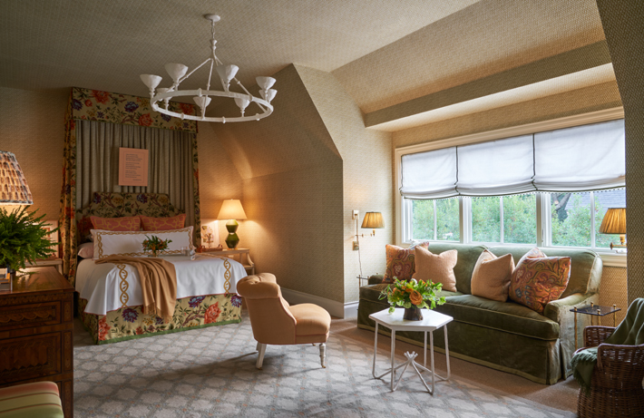 Upstairs Guest Room by Wells Design kips bay decorator show house dallas 2020