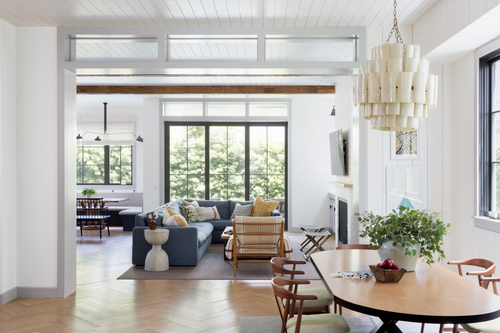 california chic living room and dining room Design by Kate Lester Interiors, Photo by Amy Bartlam